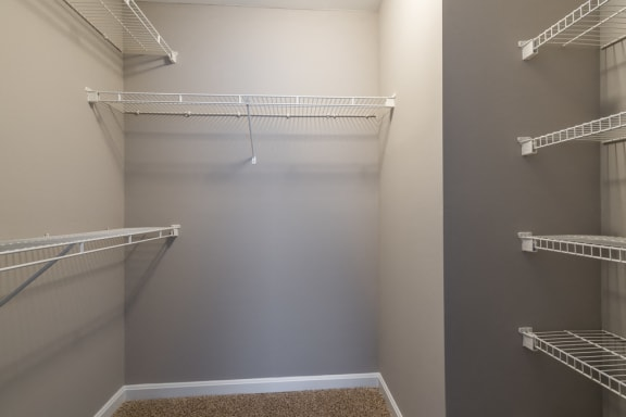 Walk In Closet Owings Park Apartments