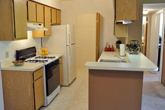 Fully-Equipped Kitchens with Dishwashers at Bristol Square and Golden Gate Apartments, Wixom