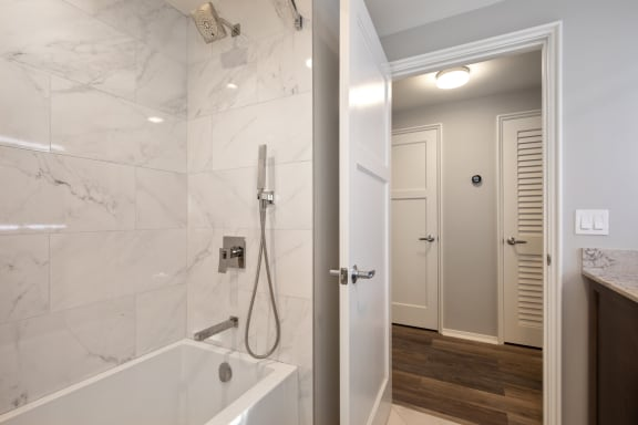 Soaking Tubs with Ceramic Tile at Park Heights by the Lake Apartments, Illinois