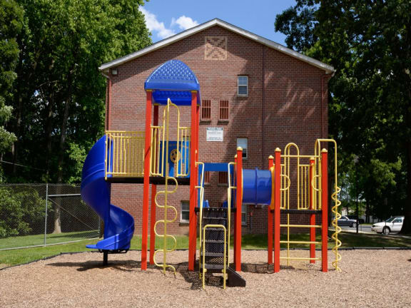 New playground available at Hyde Park Apartments