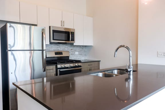 Modern Kitchens at Reside on Green Street Apartments, 504 N Green St, 60642