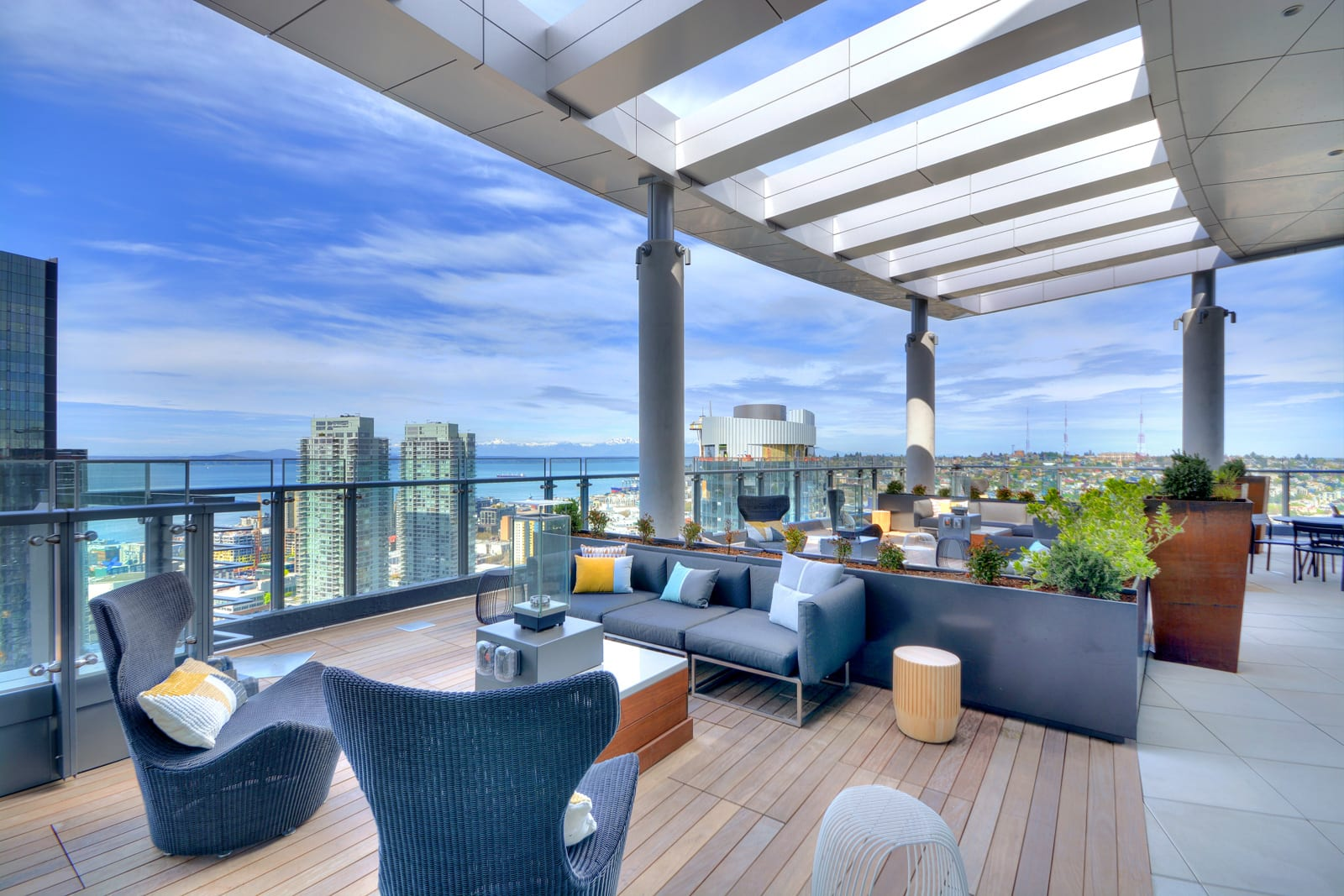 Stratus Luxury Apartments Near Amazon Headquarters