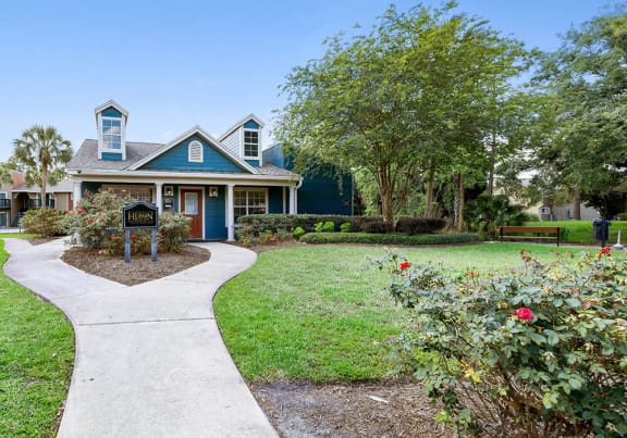 Welcome to Heron Walk Apartments in Jacksonville, FL