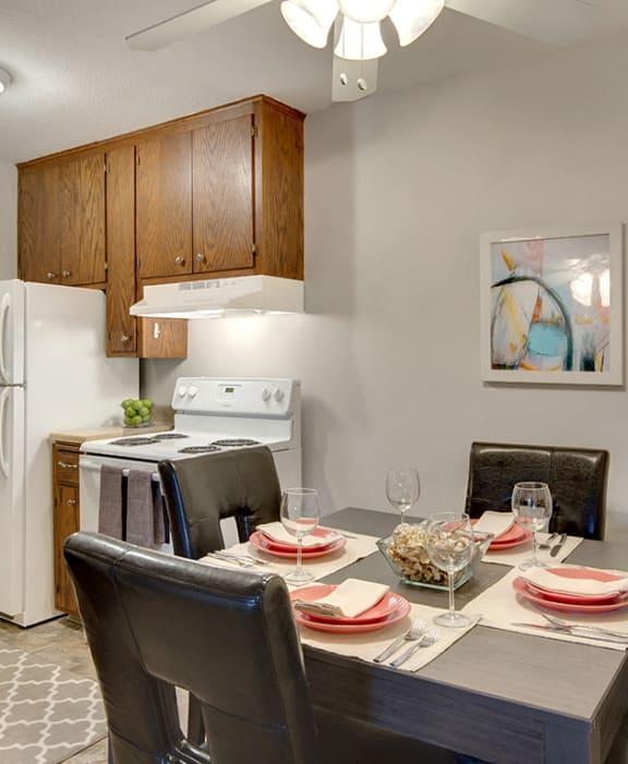 Hamline Terrace Apartments in Roseville, MN Dining Room