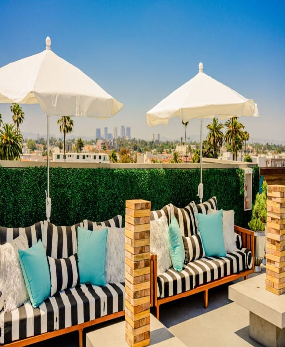 Indie Westside rooftop lounge and games
