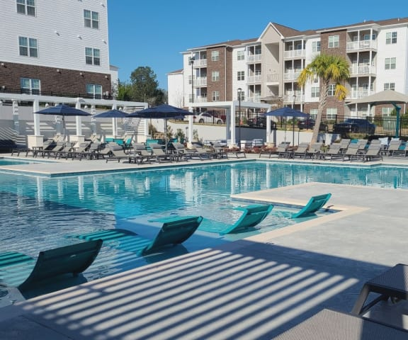 Large Luxury Pool Deck at The Met Apartment Homes, Hattiesburg, Mississippi, 39402