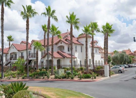 Building at Dominion Courtyard Villas, Fresno, CA