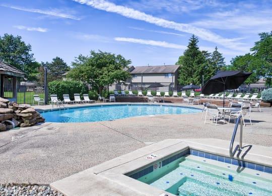 Woodbridge Apartments Ft Wayne Pool