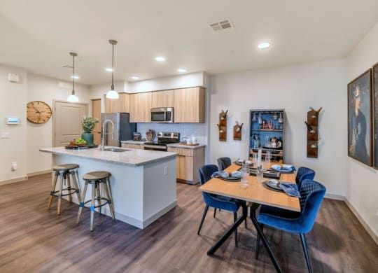 Fully Equipped Eat In Kitchen at Grayson Place Apartments, Arizona, 85395