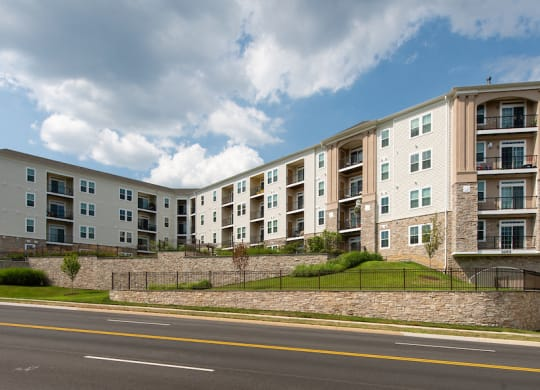 Premier Apartment Community at Kensington Place, Woodbridge, VA