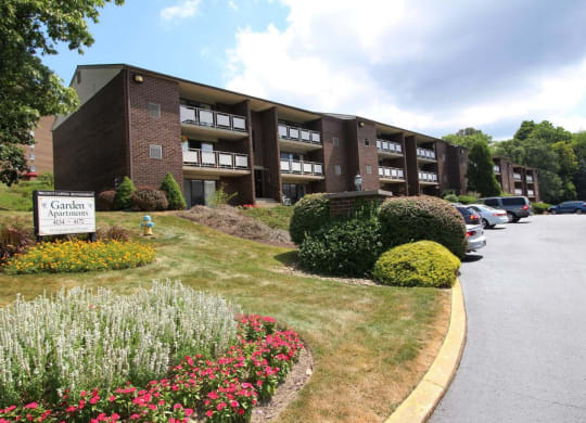 Exterior View at Walnut Crossings Apartments in Monroeville, PA, 15146