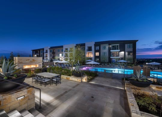Luxury Apartment Homes Available at Windsor Oak Hill, 6701 Rialto Blvd, Austin