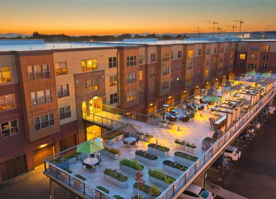 Luxury Apartments near Portland at Platform 14, Hillsboro, OR