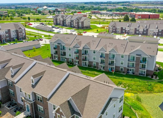 Exterior Property View at Andover Pointe Apartment Homes, La Vista