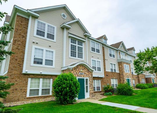 Elegant Exterior View at Black Sand Apartment Homes, Lincoln, Nebraska