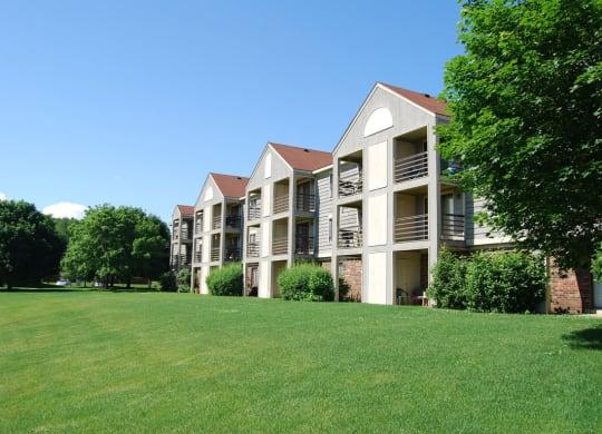 Sophisticated Apartment Living at Emerald Park Apartments, Kalamazoo