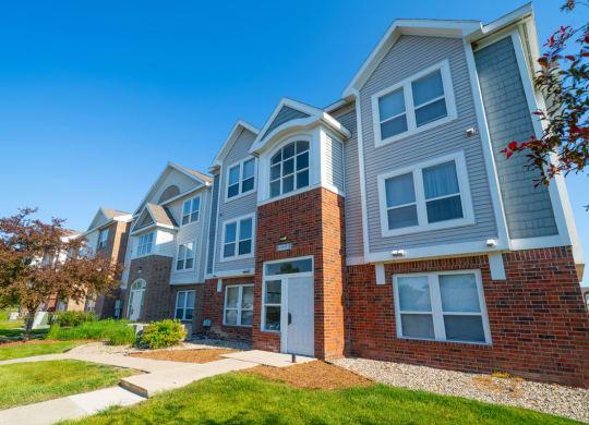 Exterior View of Apartments at Heatherwood Apartments, Grand Blanc, Michigan