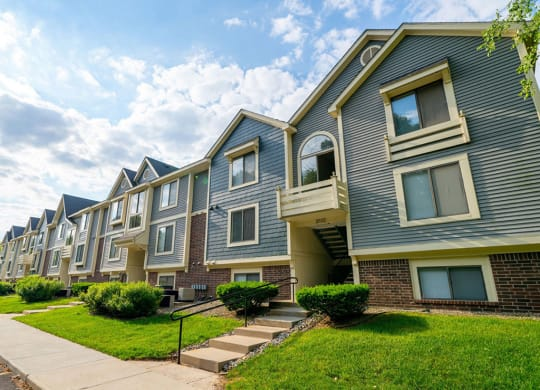 Elegant Exterior View at Hurwich Farms Apartments, South Bend, 46628