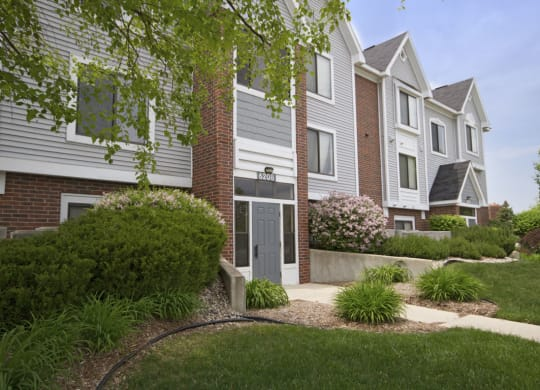 Manicured Garden at Liberty Mills Apartments, Fort Wayne, IN, 46804