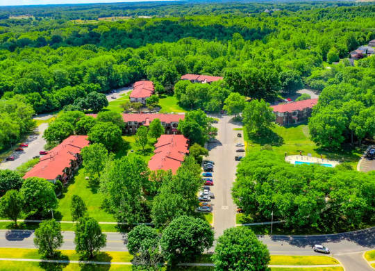 Beautiful Green Surroundings at Old Farm Apartments, Indiana