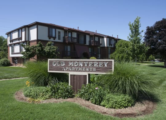 Located At Prime Location at Old Monterey Apartments, Springfield, MO