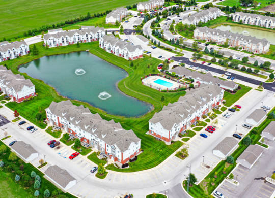 View of Apartments and Ponds at Tracy Creek Apartment Homes, Perrysburg, OH