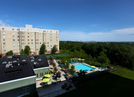 Luxury Apartments in Quincy MA, Shuttle to the MBTA to Downtown Boston-HighPoint Apartments