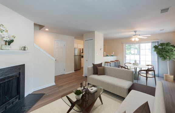 Living Room With Dining Area at Saratoga Square, Springfield, VA