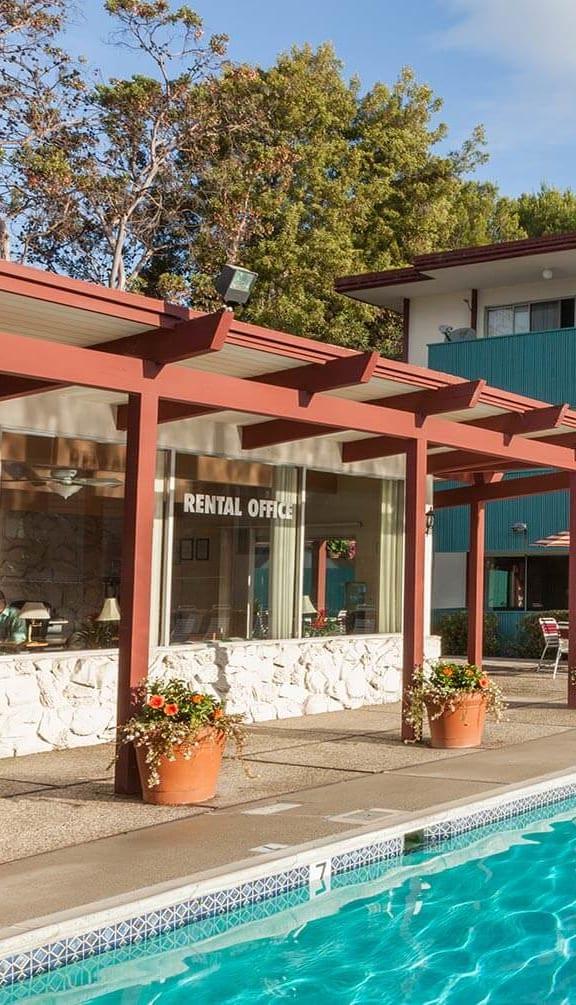Crystal Clear Swimming Pool at Del Coronado, Alameda