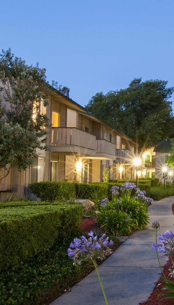Courtyard With Flowers at Appletree Apartments, California