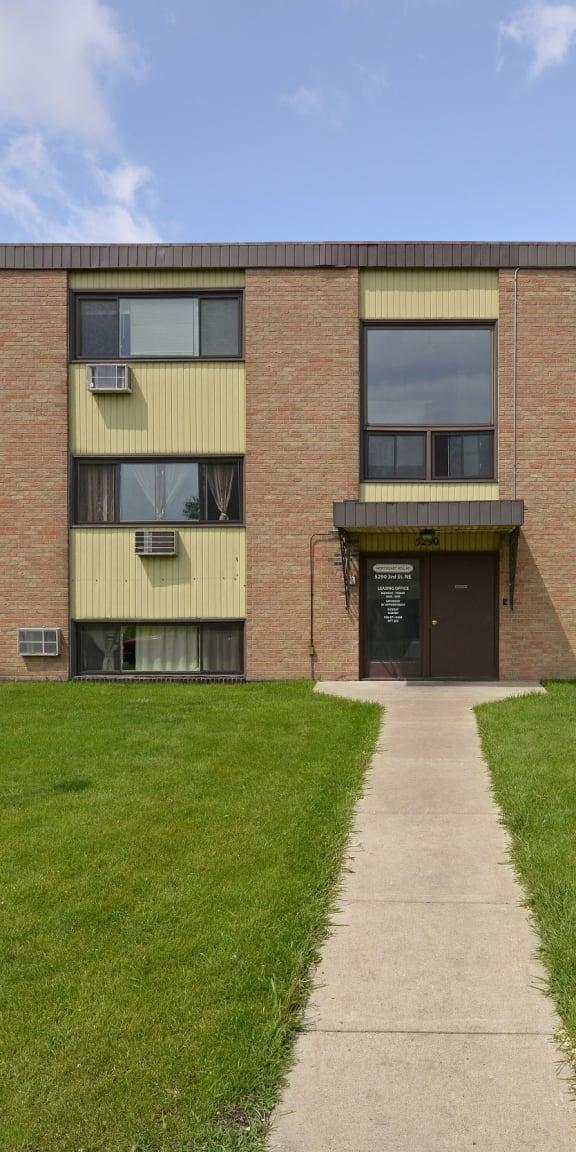 Northeast Villas Apartments in Fridley, MN Building Exterior