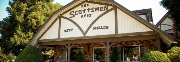 Apartment Exterior at Scottsmen Apartments, Clovis, California