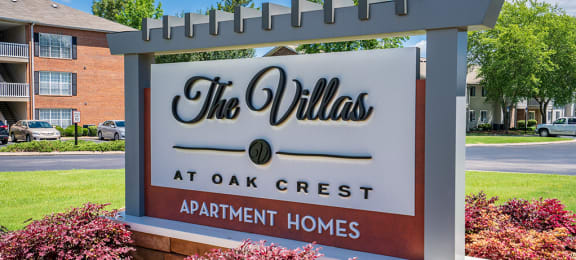 The Villas at Oak Crest Monument Sign