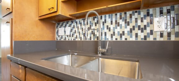 Kitchen at The Continental Apartments in Phoenix AZ Nov 2020 (3)