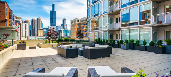 Skyline Deck at 24 S Morgan Apartments, Illinois, 60607