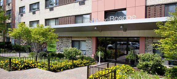 Renovated Apartment Homes Available at Reside on Roscoe, Chicago, IL,60657