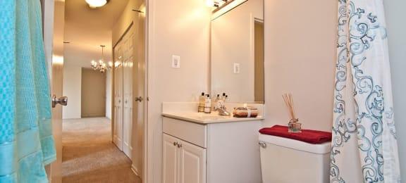 Dulles Glen Bathroom
