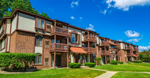Exterior View Of Property at Old Farm Apartments, Elkhart, 46517