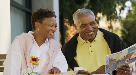 Couple at Brunch l Somerset Apartments in Antioch CA