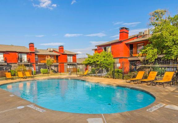 Pointe at Fair Oaks apartments courtyard & pool