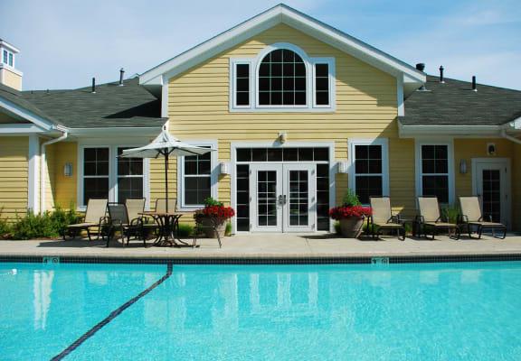 Pool Lynnfield Commons