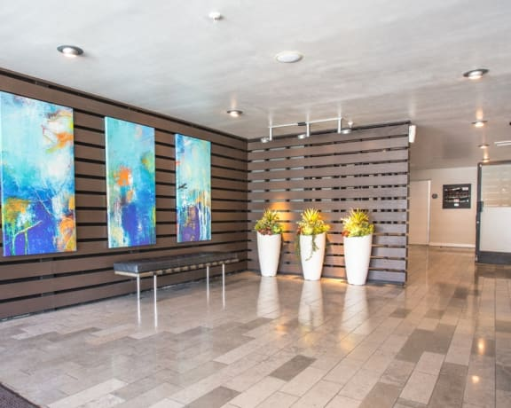 5119 Maplewood - Lobby Reverse View