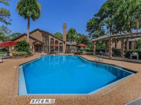 anatole apartments two swimming pools