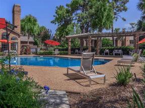 daytona apartments swimming pool