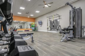 orlando apartment fitness center free weights weighted machines