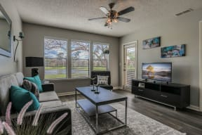 short term furnished options renovated interior one bedroom two bedroom pool view lake view apt orlando