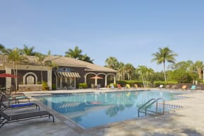 Apartments with pool  | Fort Myers