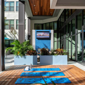 Pool deck  | District at Rosemary