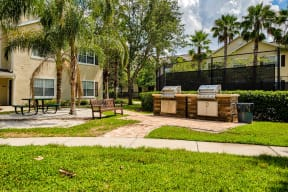 Picnic and grill area  | Estates at Heathbrook