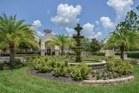 Beautifully manicured grounds  | Grandeville on Saxon